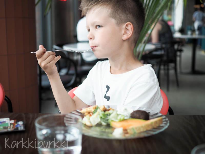 ravintola sandro lasten kanssa
